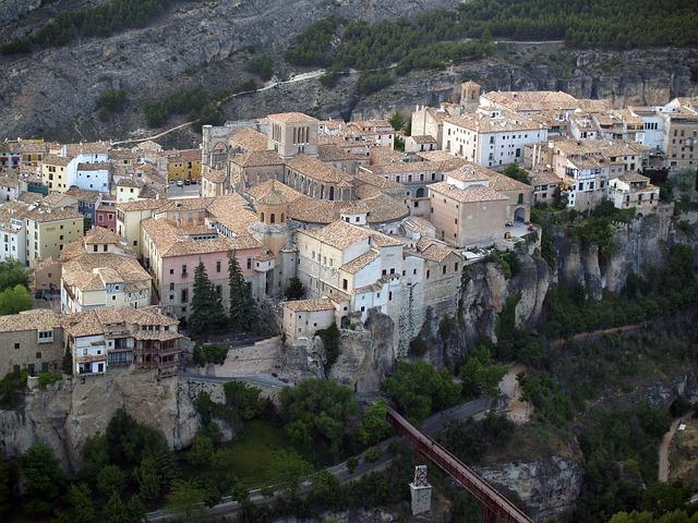 Plantaciones del árbol del  Pistacho en la provincia de Cuenca