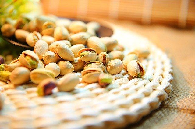 ¿Por qué se salan los pistachos?